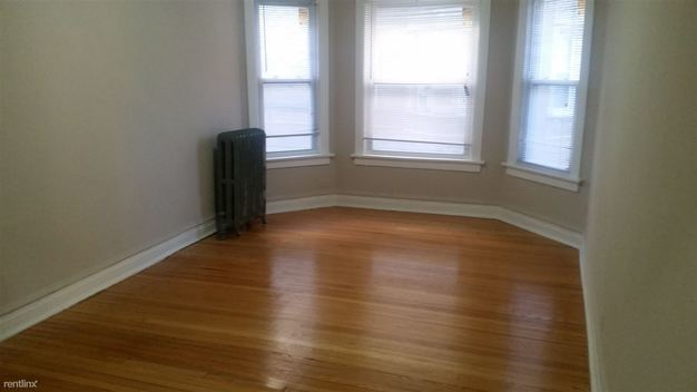 1 Bedroom 1 Bathroom Apartment for rent at 1642 W Pratt Blvd in Chicago, IL