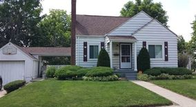 Sec8 Ok Charming 900 Sq Ft 2 Bed, Finished Base, Garage, Fenced, Fireplace Apartment for rent in Flint, MI