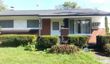 Sec 8 Ok   3 Bed 1.5 Bath Brick Ranch 1000 Sq Ft + 1000 Sq Ft Nice Basement, Hardwood, Garage