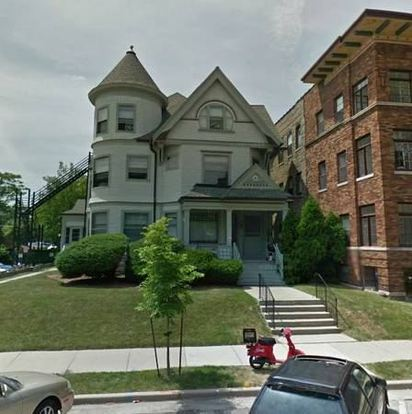 3 Bedrooms 1 Bathroom Apartment for rent at Victorian in Milwaukee, WI