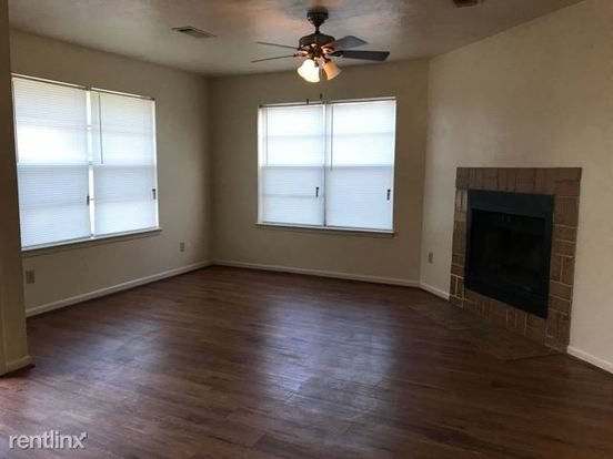 3 Bedrooms 2 Bathrooms Apartment for rent at 1221 April Bloom in College Station, TX