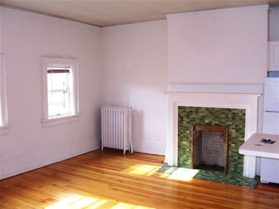 1 Bedroom 1 Bathroom Apartment for rent at 922 E Knapp St in Milwaukee, WI