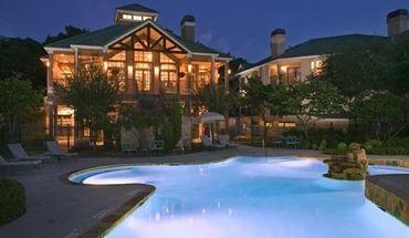 Similar Apartment at 8310 N Capital Of Texas Hwy