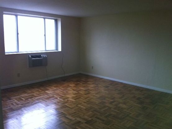2 Bedrooms 2 Bathrooms Apartment for rent at Waldorf Park Apartments in Pittsburgh, PA