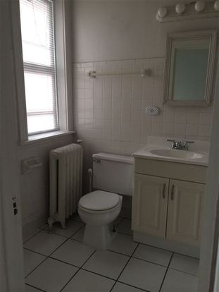 3 Bedrooms 1 Bathroom Apartment for rent at 2575 N Stowell Avenue in Milwaukee, WI