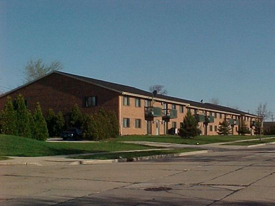 2 Bedrooms 2 Bathrooms House for rent at Lincoln Hayes   2br 2ba in Milwaukee, WI