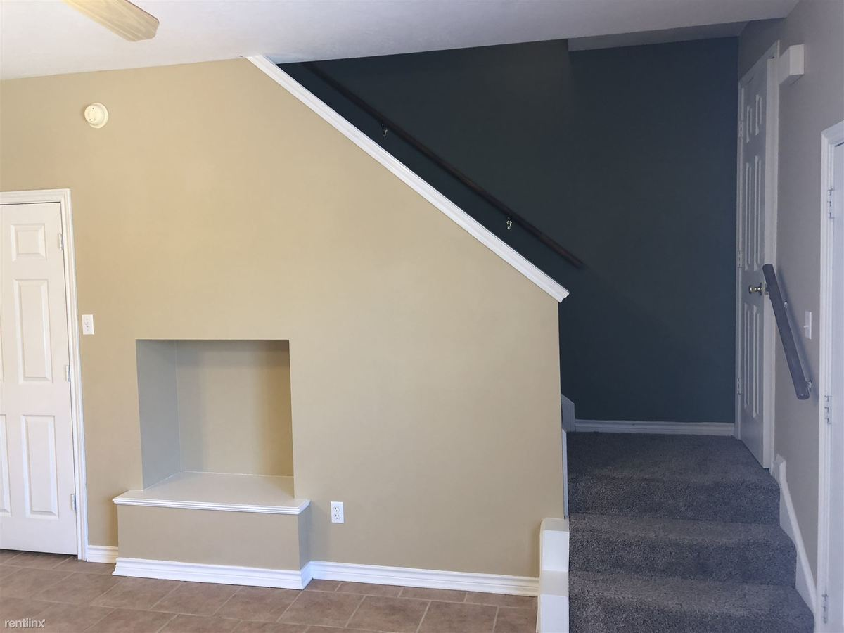1 Bedroom 1 Bathroom Apartment for rent at 301 Nimitz St in College Station, TX