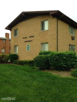 2 Bedrooms 1 Bathroom Apartment for rent at Holiday Manor in Warren, MI
