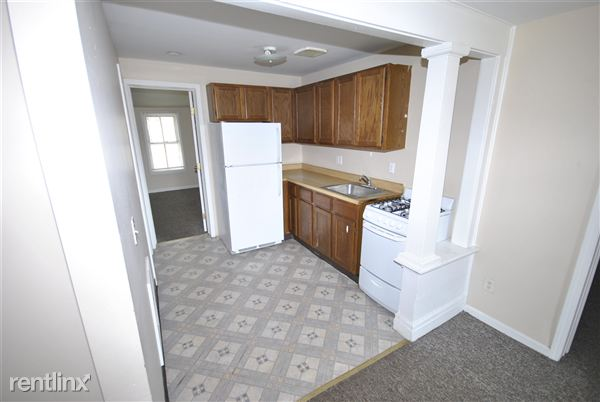 3 Bedrooms 1 Bathroom Apartment for rent at 211 E Madison St in Ann Arbor, MI