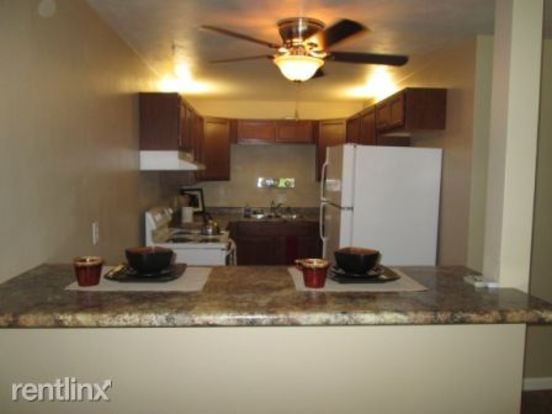 2 Bedrooms 2 Bathrooms House for rent at Town's Edge Apartments in Madison, WI