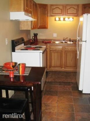 2 Bedrooms 2 Bathrooms Apartment for rent at Town's Edge Apartments in Madison, WI