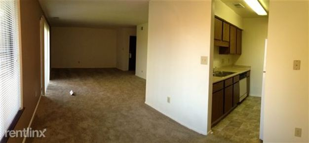 2 Bedrooms 1 Bathroom House for rent at Woodbridge Of Castleton in Indianapolis, IN