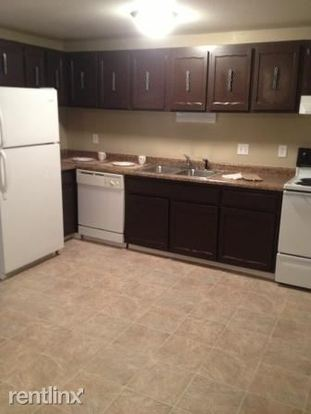 3 Bedrooms 1 Bathroom Apartment for rent at Capitol View Apartments in Madison, WI