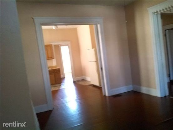 2 Bedrooms 1 Bathroom House for rent at 2314 Highland Ave in Cincinnati, OH