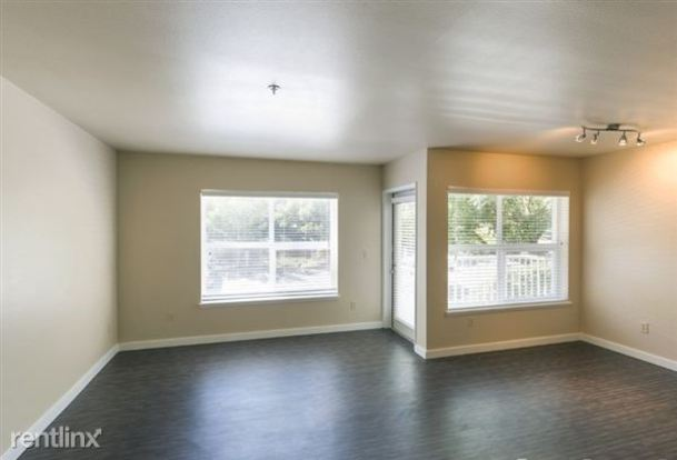 3 Bedrooms 2 Bathrooms Apartment for rent at Linden Square Apartment Homes in Seattle, WA