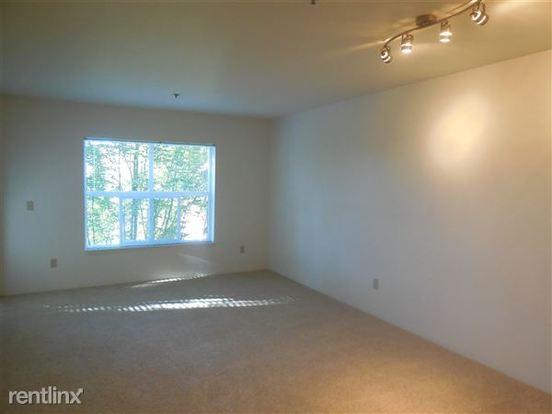 2 Bedrooms 2 Bathrooms Apartment for rent at Linden Square Apartment Homes in Seattle, WA