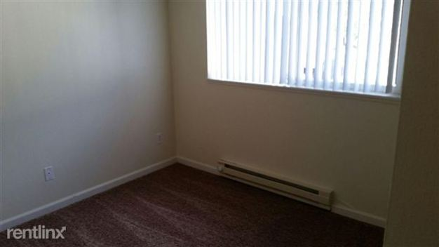 3 Bedrooms 1 Bathroom Apartment for rent at Cherry Blossom Estates in Portland, OR