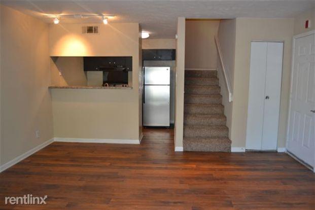 2 Bedrooms 2 Bathrooms House for rent at Crossings Of Bellevue in Nashville, TN