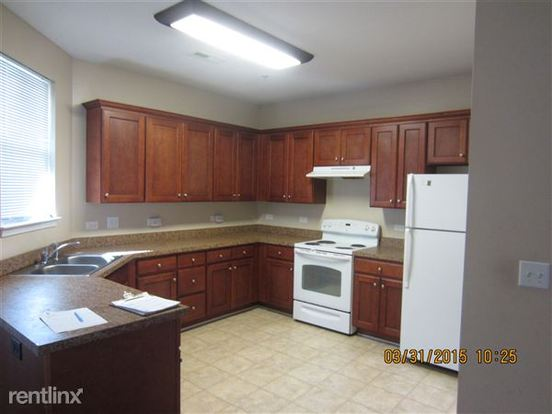 2 Bedrooms 2 Bathrooms Apartment for rent at Stony Brook Apartments And Townhomes in Raleigh, NC