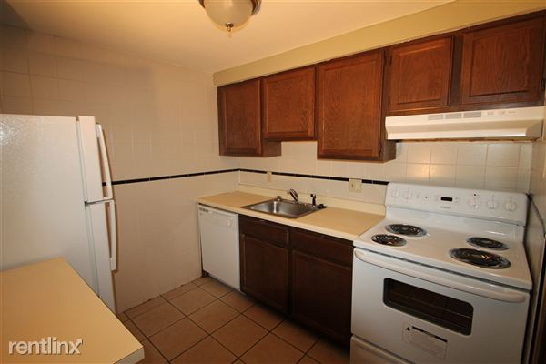 2 Bedrooms 1 Bathroom Apartment for rent at Sandy Creek Apartments in Bethel Park, PA