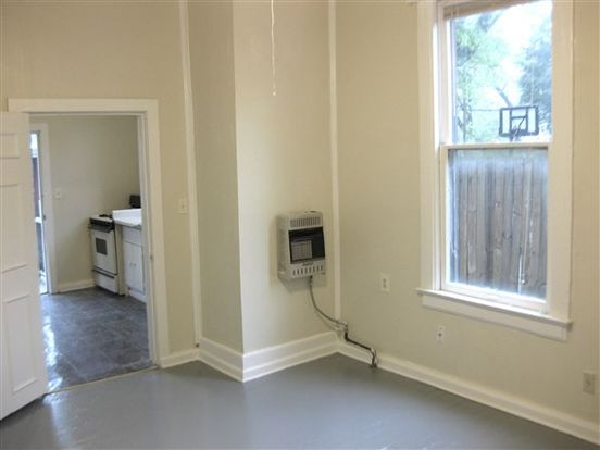 Studio 1 Bathroom Apartment for rent at 244 Garland St in Memphis, TN