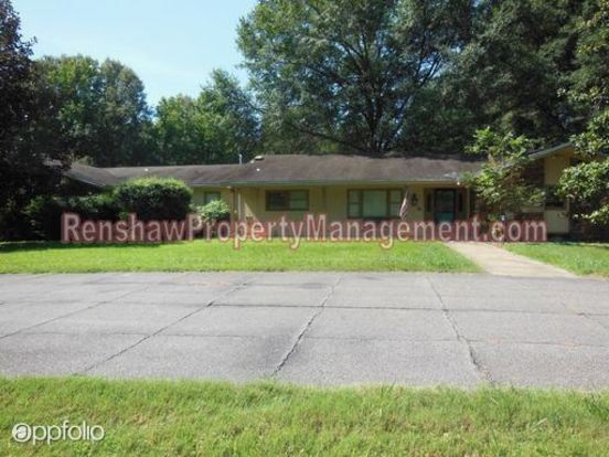 4 Bedrooms 3 Bathrooms House for rent at 8981 Forest Meadows Dr. in Memphis, TN