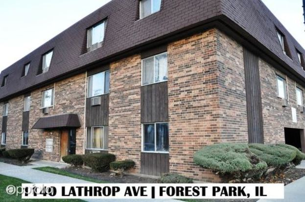Studio 1 Bathroom Apartment for rent at 1140 Lathrop in Forest Park, IL