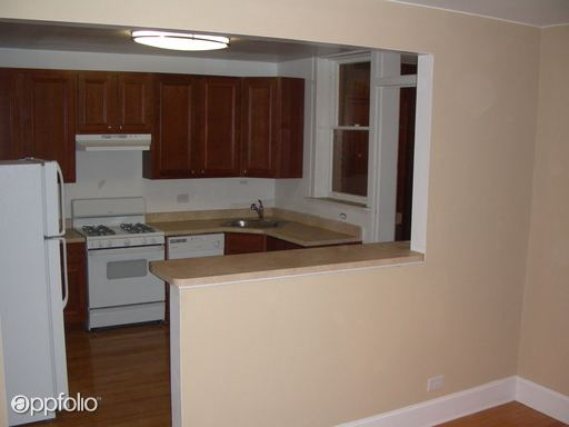 2 Bedrooms 1 Bathroom Apartment for rent at 7226 34 W. Roosevelt Road in Forest Park, IL