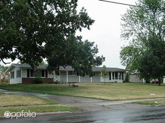 2 Bedrooms 1 Bathroom House for rent at 1032 Bay Shore Drive in Oshkosh, WI
