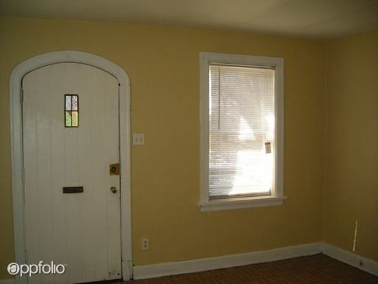 1 Bedroom 1 Bathroom Apartment for rent at 5845 5847 Saloma in St Louis, MO