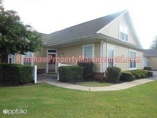 3 Bedrooms 2 Bathrooms House for rent at 1945 Appling Oaks Cir. in Memphis, TN