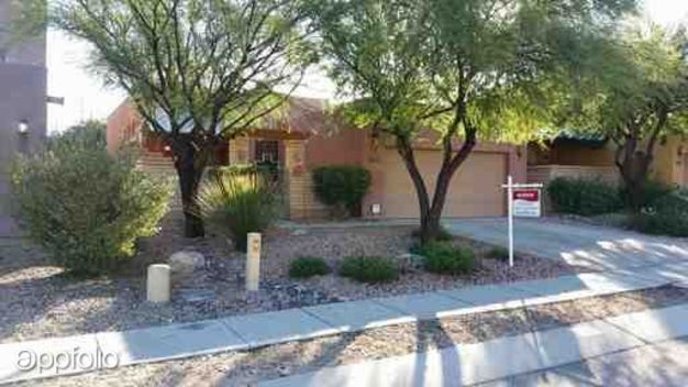 3 Bedrooms 2 Bathrooms House for rent at 223 S Fresno Spring in Tucson, AZ