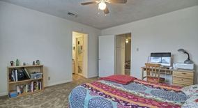 Similar Apartment at Ut/central / 3200 03 Helms / Call Or Text 512 466 9666