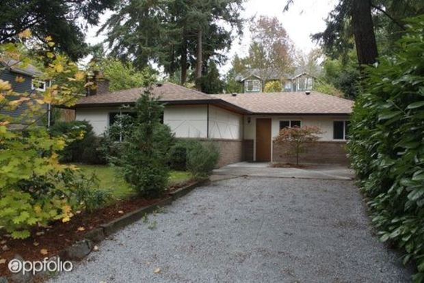 3 Bedrooms 1 Bathroom House for rent at 9724 Sandpoint Way Ne in Seattle, WA
