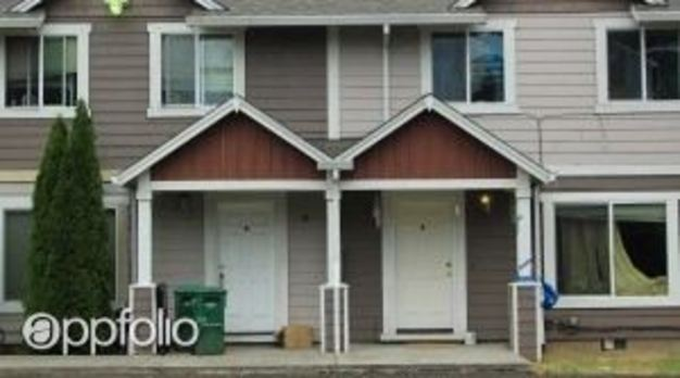 3 Bedrooms 1 Bathroom Apartment for rent at 13324 Se Stark Street in Portland, OR