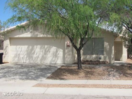3 Bedrooms 2 Bathrooms House for rent at 9161 E Calle Arroyo Rapido in Tucson, AZ