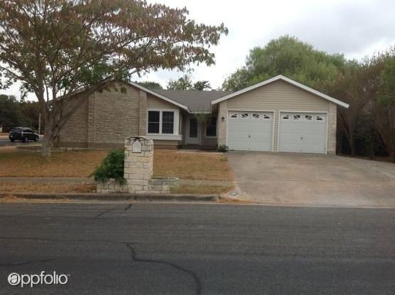 4 Bedrooms 2 Bathrooms House for rent at 10801 Tall Oak Trail in Austin, TX