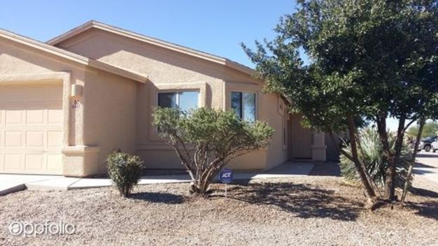 4 Bedrooms 2 Bathrooms House for rent at 8442 S Burien Road in Tucson, AZ