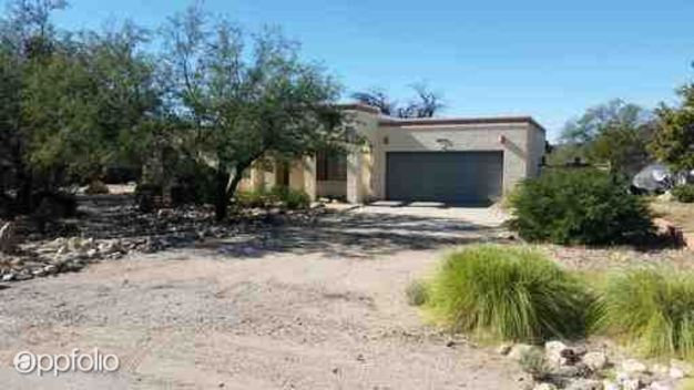 3 Bedrooms 2 Bathrooms House for rent at 8711 E Saddleback Drive in Tucson, AZ