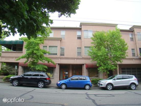 2 Bedrooms 1 Bathroom Apartment for rent at 8320 5th Ave Ne in Seattle, WA