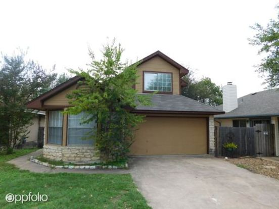 3 Bedrooms 2 Bathrooms House for rent at 16802 Village Oak Loop in Austin, TX
