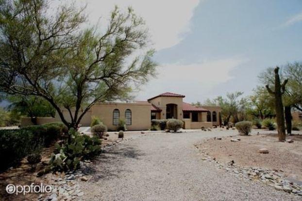 4 Bedrooms 2 Bathrooms House for rent at 12360 E Avenida De La Vista Verde in Tucson, AZ