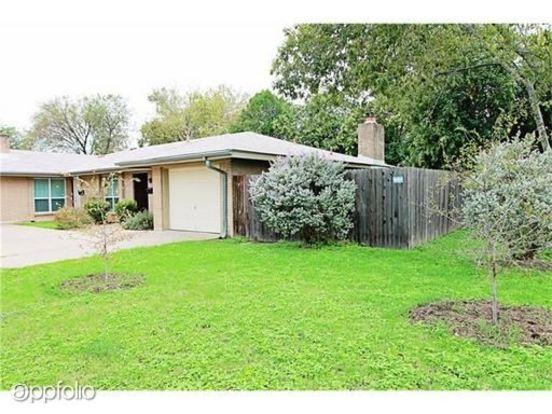 2 Bedrooms 2 Bathrooms Apartment for rent at 2703 Sweeney Ln in Austin, TX