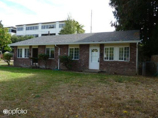 2 Bedrooms 1 Bathroom Apartment for rent at Se Caruthers St in Portland, OR