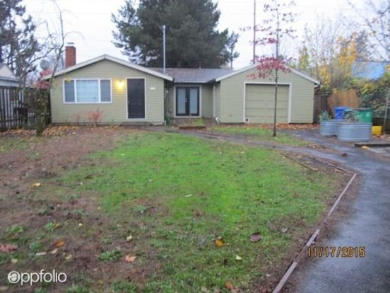 3 Bedrooms 2 Bathrooms House for rent at 6158 Ne Milton St in Portland, OR