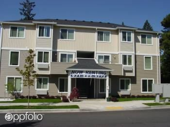 2 Bedrooms 1 Bathroom Apartment for rent at 141 Ne 147th Ave in Portland, OR