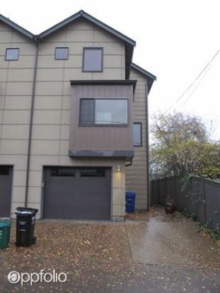 3 Bedrooms 2 Bathrooms House for rent at 1818 B 11th Ave W in Seattle, WA
