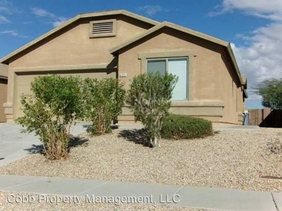 3 Bedrooms 2 Bathrooms House for rent at 6331 E Garden Stone Dr in Tucson, AZ
