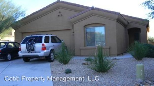 3 Bedrooms 2 Bathrooms House for rent at 10483 E Rita Ranch Crossing Circle in Tucson, AZ