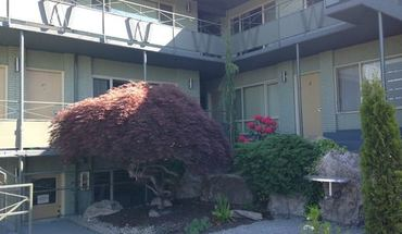 Similar Apartment at 2350 Beacon Ave S